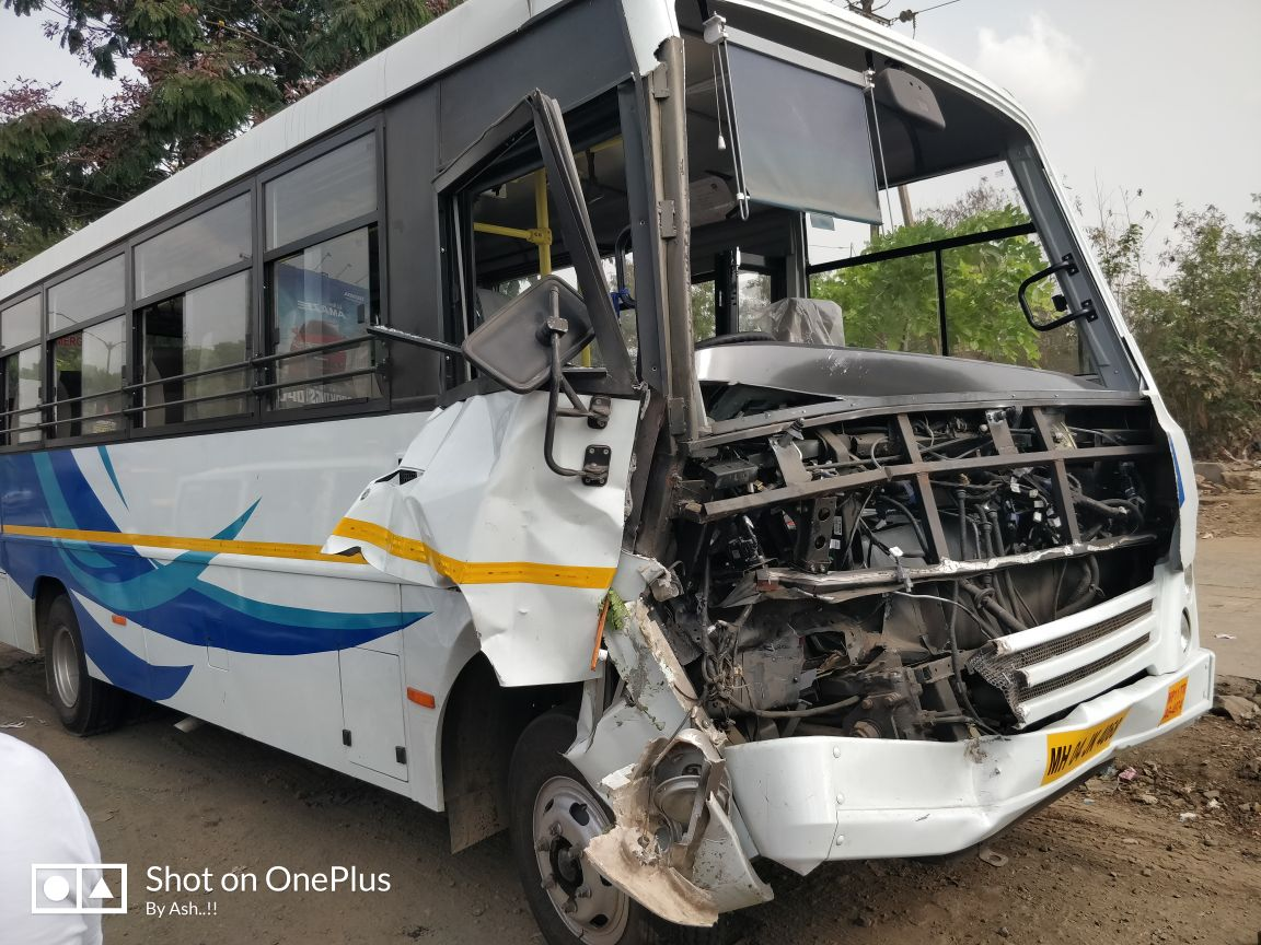 Tourist Bus Accident at Ghodbunder Road Picture of the spot