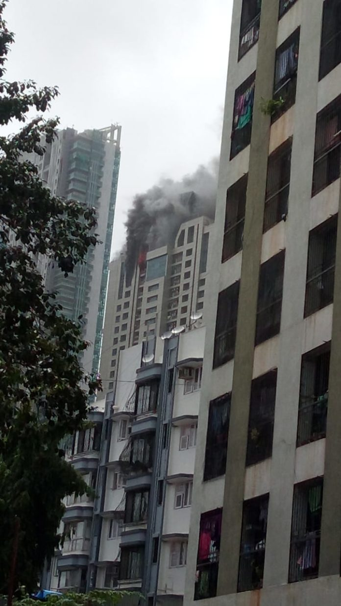 Fire Video Of Prabha Devi Building Exclusive on Hello Mumbai News