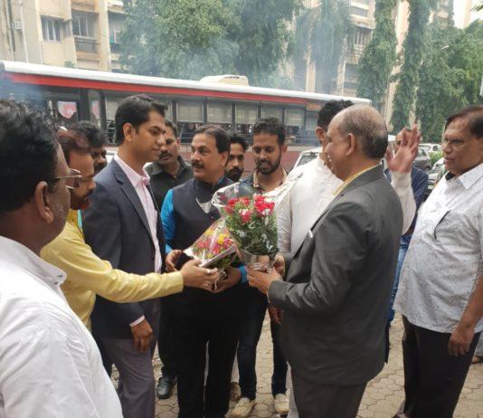 Ex Minister Arif Naseem Khan Inaugurates Dr. M. T. Khan's Super Speciality Orthopaedic Clinic