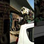Kalwa Naka Accident Dumper Touched Flyover