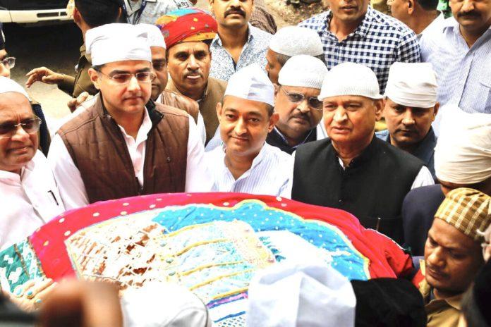 Rahul Gandhi Offers Chadar at Hazrat Khwaja Moinuddin Chishti